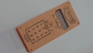 Téléphone en carton