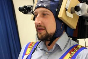 Un casque électrique contre le mal de mer