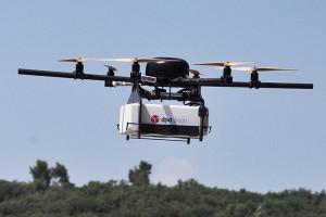 Le drone peut parcourir jusqu'à 20 km à 150 m d'altitude.