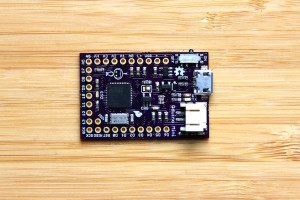 Carte compatible Arduino avec alimentation embarquée