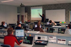 Tweedelige Elektor-workshop PICs grafisch programmeren