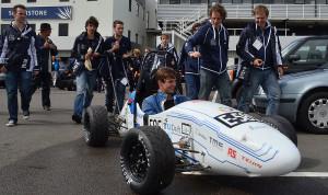 Studenten TU Delft succesvol met elektrische race-auto