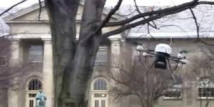 Vliegende robot ontwijkt obstakels als een vogel