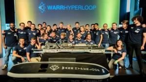 Het team van de Technische Universiteit van München wint Hyperloop-snelheidswedstrijd Competition II. Foto: cbc.ca