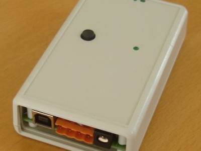 The box measures something like 112x66x28 mm