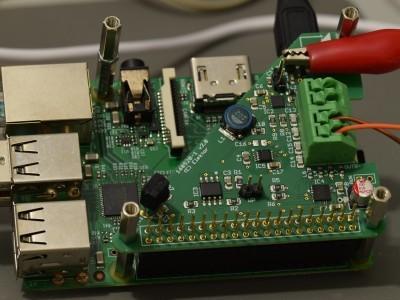 PCB 160520-1 v2.0, FM Radio Receiver mounted on RPi