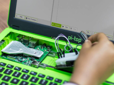 """[ON HOLD] pi-top: a 14"""" RPi laptop aimed at makers"""