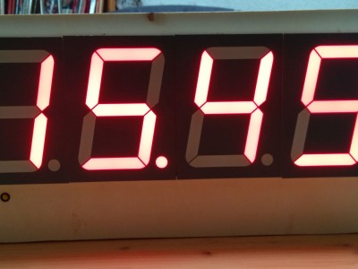 Bedroom clock with out side temperature based on ESP32