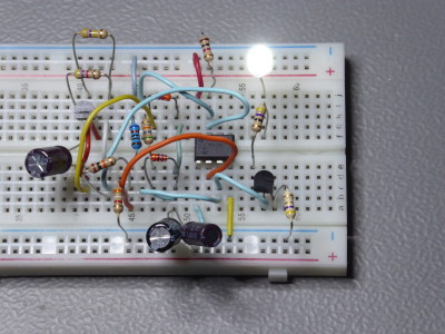 Linear analogue LED fader using synthetic inductor
