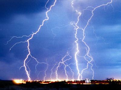 Risiko von Blitzeinschlägen in Flugzeuge minimieren