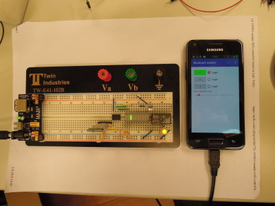 Bluetooth Relay on the Elektor-Labs Prototype Board ELPB-NG (150180)