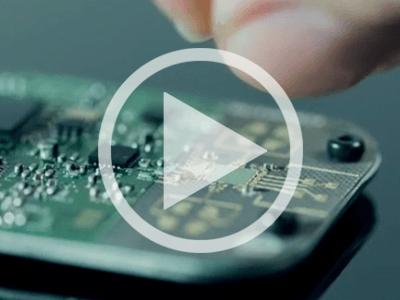 La sélection d'Elektor.TV | Un radar pour détecter les mouvements submillimétriques