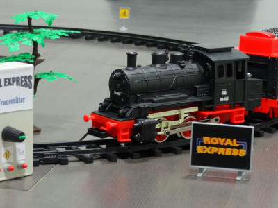 RFM12-Lib in operation: Remote control of toy train Royal Express [130160-I]