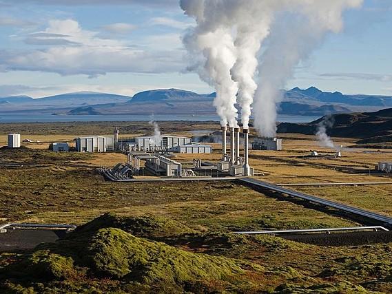 Image: The Nesjavellir Geothermal Power Plant in Þingvellir, Iceland. Public Domain. Source: Wikimedia.