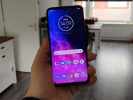 Review: Motorola One Zoom – vier camera's en een oled-scherm