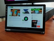 Review: Lenovo Yoga Smart Tab – mediatablet met kickstand en Google Assistent