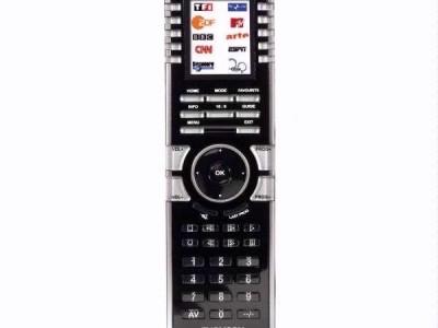 De Thomson universal Remote 10-in-1 ziet er goed uit en is aantrekkelijk geprijsd, maar laat hier en daar een steek vallen.