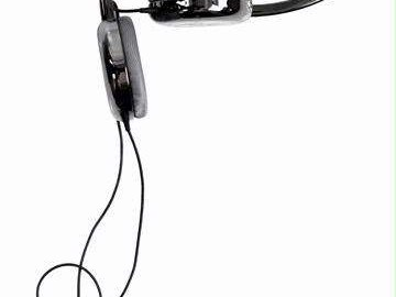 Het ontwerp van de Ultrasone Zino is volledig afgestemd op mobiel gebruik: de hoofdband is inklapbaar en de kabel is beschermd tegen ongelukjes.