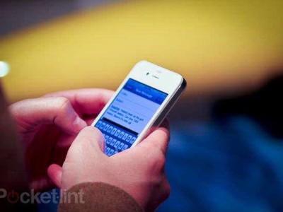 Apple kan niet lachen met het handeltje in ombouwpakketten voor witte iPhone 4-toestellen dat een Amerikaanse tiener heeft opgezet.