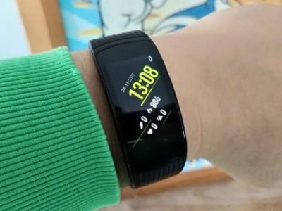 Review: Samsung Gear Fit 2 Pro – geen grote verbeteringen zichtbaar