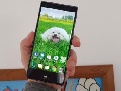 Review: Blackberry Motion – zakelijke smartphone met handige software-opties