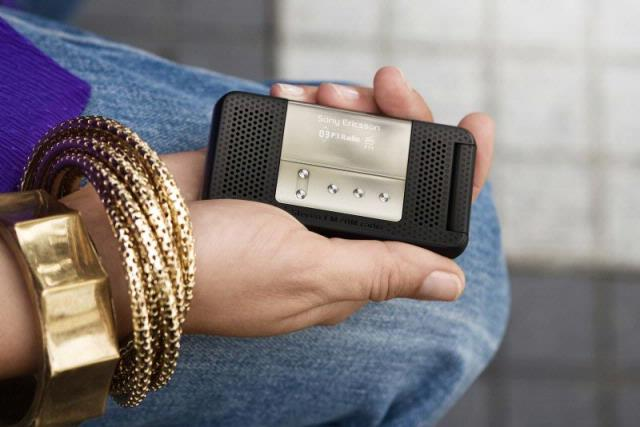 Radio centraal op nieuwe gsm's Sony Ericsson
