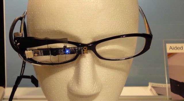 Sony werkt aan een camerabril die aan de hand van je oogbewegingen alles filmt wat je ziet. (beeld: TechOn)