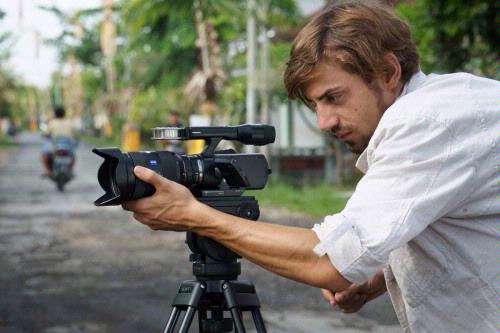 Met de NEX-VG10 presenteert Sony een videocamera met verwisselbare lenzen voor de consumentenmarkt.