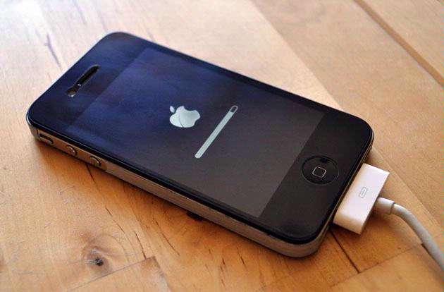 Apple rolt momenteel de iOS4.1-update voor zijn mobiele besturingssysteem uit.