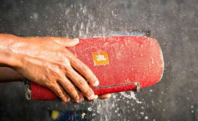 Bluetooth-speaker JBL is waterdicht