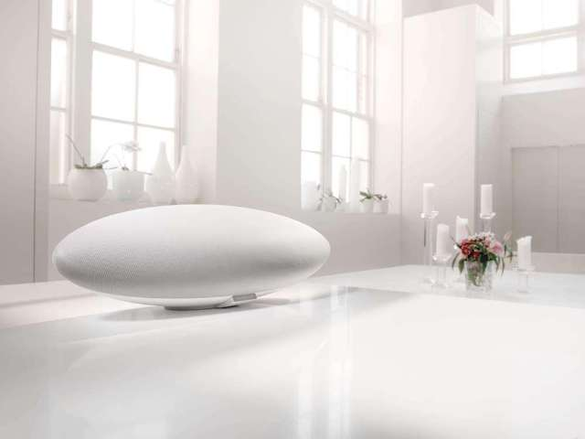 Bowers & Wilkins Zeppelin nu in het wit