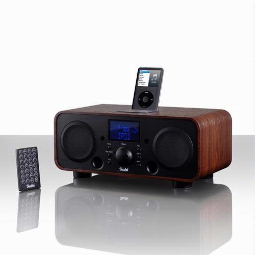 De iTeufel Radio combineert een AM/FM-radio, alarmwekker en iPod-dock in een klassiek ogende tafelradio.