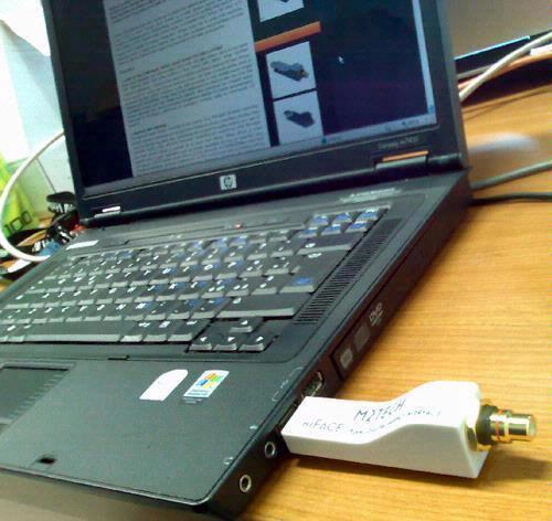 De M2Tech hiFace kan langs de usb-poort van je computer een digitaal 24-bit/192 kHz-audiosignaal versturen naar een DAC.