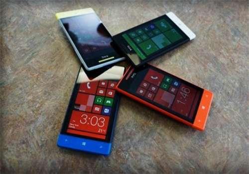 HTC toont Windows 8 smartphones.