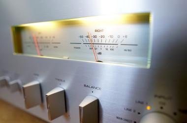 Review: Yamaha A-S1200 stereoversterker - Retro met een moderne draai