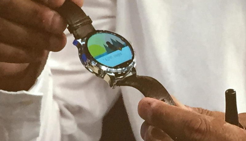 Fossil en Intel tonen Android Wear-smartwatch