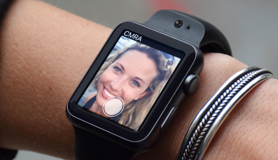 Deze band voor Apple Watch neemt twee camera's met zich mee